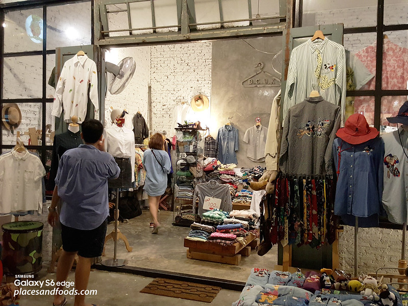 Talad Rot Fad Srinakarin Train Market fashion boutique men
