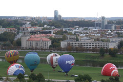 Preparation for liftoff of hot air balloons, 28.09.2013.