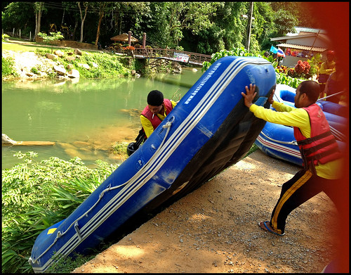 s been a long fourth dimension since I tried white H2O rafting BangkokMap: White Water Rafting inward Phang Nga