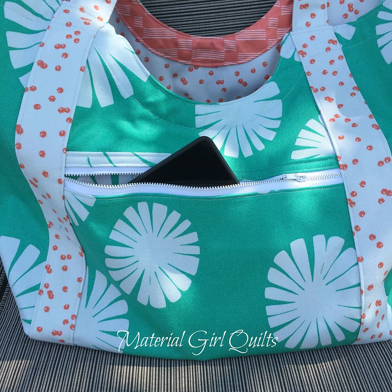 Poolside tote pocket