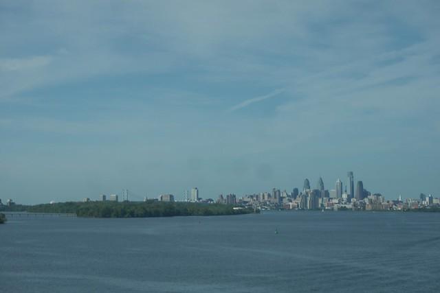 日, 2015-09-06 23:11 - Philadelphia and Delaware River