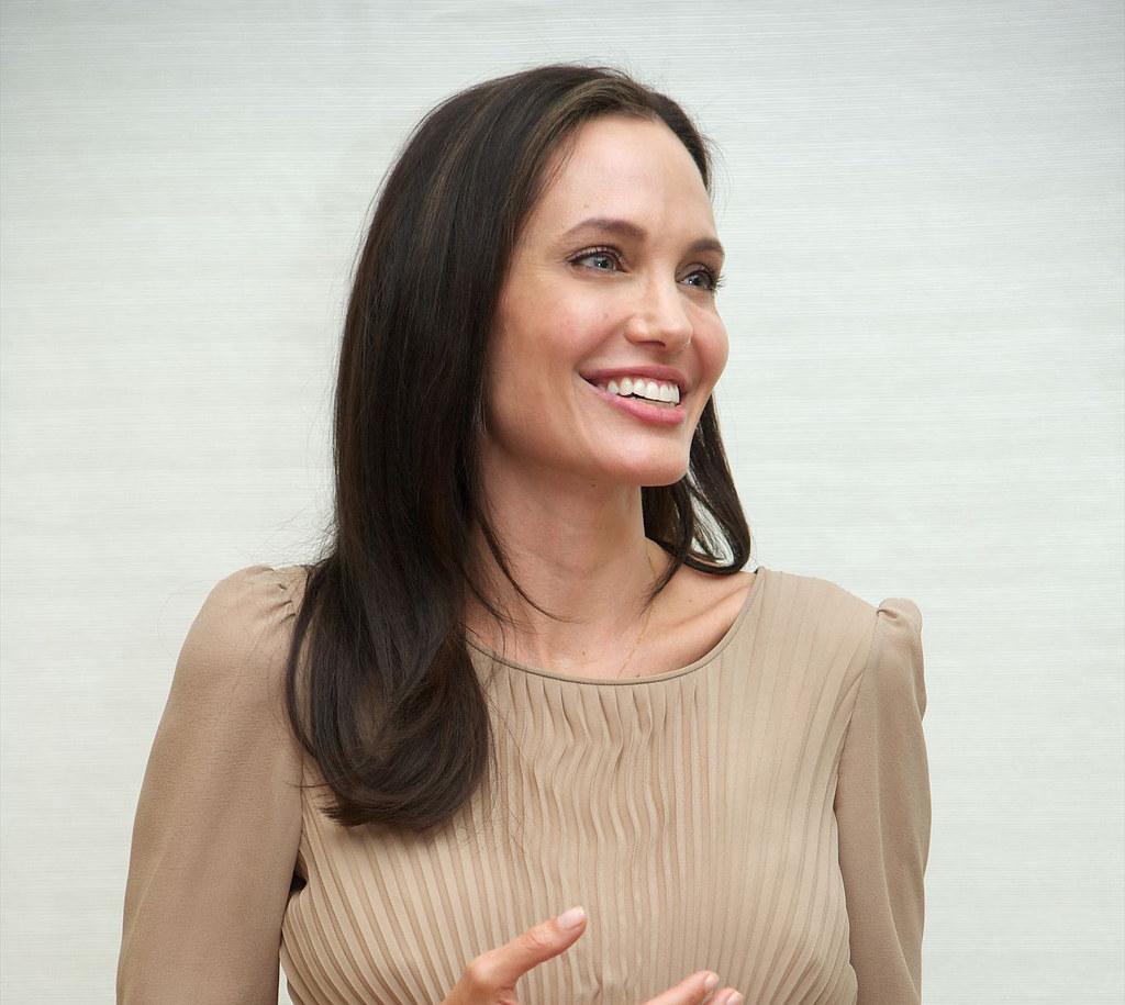 Анджелина Джоли — Пресс-конференция «Лазурный берег» 2015 – 5