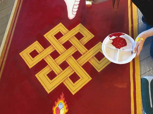 eternal-knot-painting-by-carmen-mensink