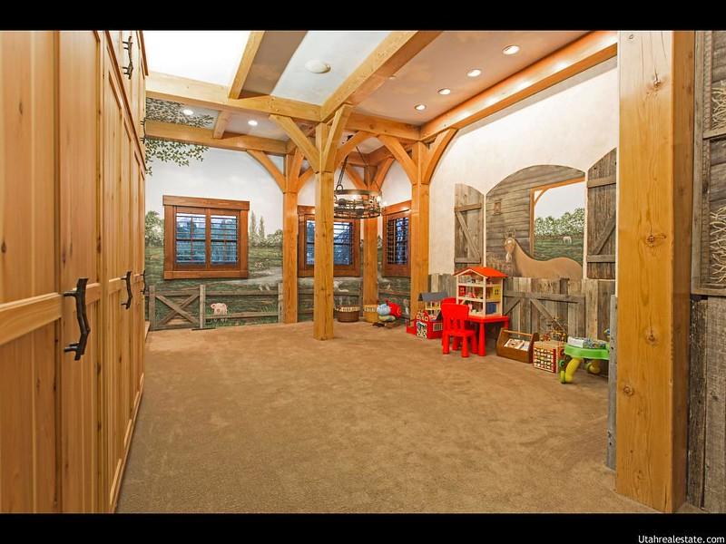Детская игровая комната в доме