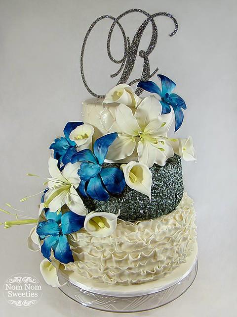 Wedding Cake by Nom Nom Sweeties