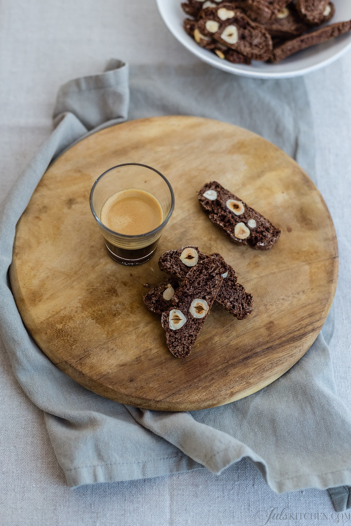 Cuscini A Forma Di Biscotto Dove Comprarli.Un Biscotto Al Cacao E Due Voti Per Me Juls Kitchen