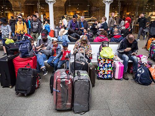 З Британії хочуть вислати безробітних мігрантів і обмежити їхнє переміщення по ЄС