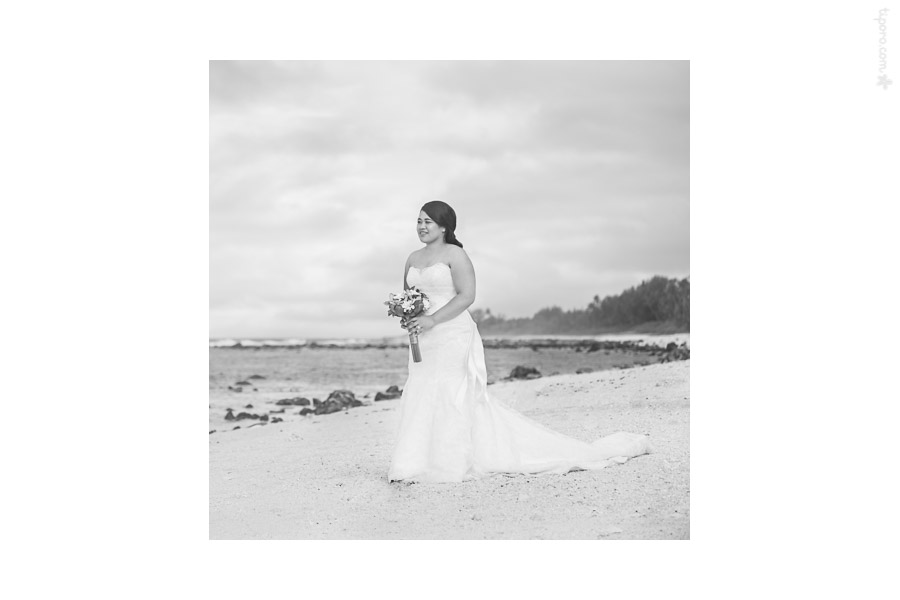 Island Style. group photos, beach, Matavera, Rarotonga, bridal partybridal portrait, beach photo session