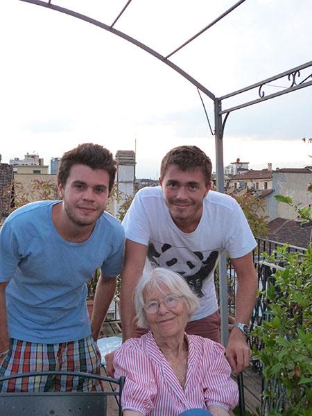 lala et les garçons sur les toits de Turin