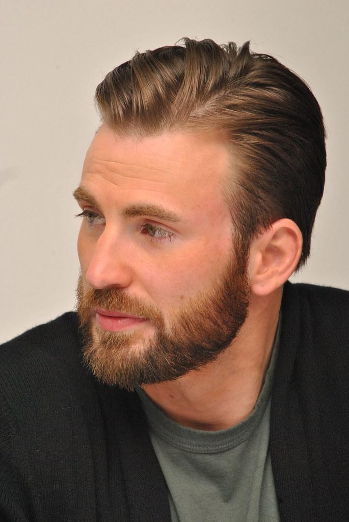 Крис Эванс — Пресс-конференция «Мстители: Эра Альтрона» 2015 – 53