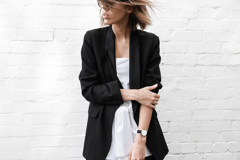 all white street style off duty fashion blogger one top three ways modern legacy farfetch inspo (6 of 13)
