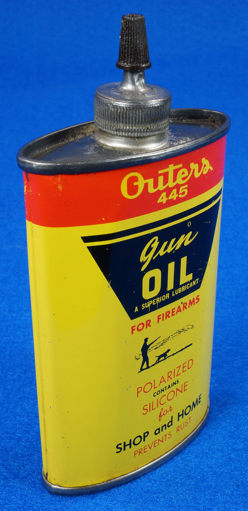 RD14571 Outers 445 Gun Oil Tin 3 oz Lead Top Yellow Oiler Collectible Vintage Oil Can DSC06865