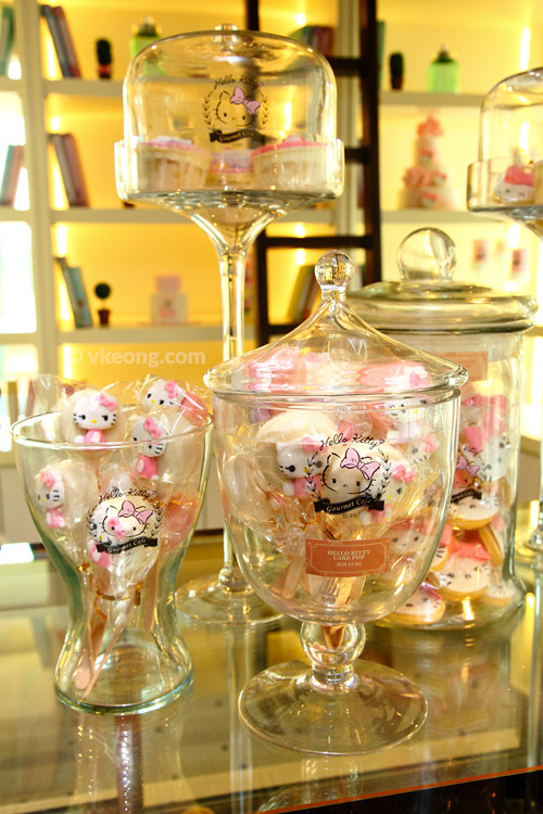 Hello-Kitty-Cafe-Malaysia-Candies