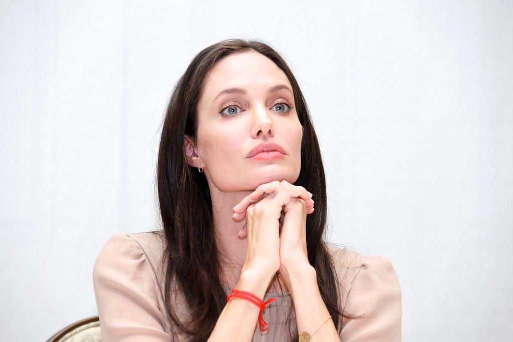 Анджелина Джоли — Пресс-конференция «Лазурный берег» 2015 – 21