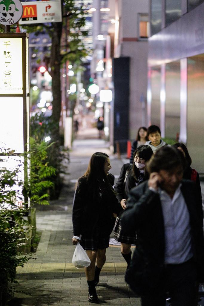 Jingumae 3 Chome, Tokyo, Shibuya-ku, Tokyo Prefecture, Japan, 0.008 sec (1/125), f/2.0, 85 mm, EF85mm f/1.8 USM