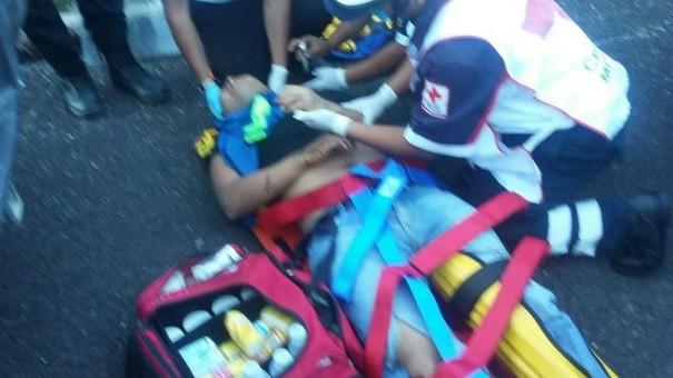 Hospitalizan a ocho normalistas por choque en Tixtla