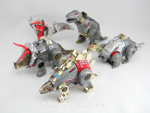 Transformers Snarl G1 - modo alterno vs otros Dinobots