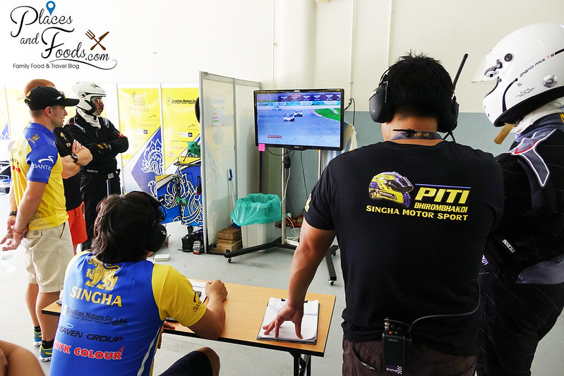 tp 12 racing team analysing the race