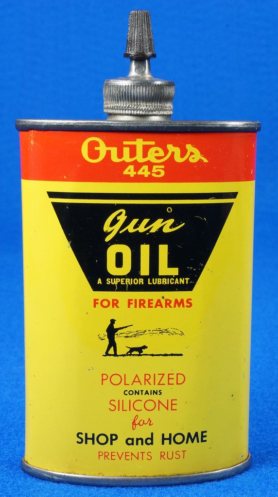 RD14571 Outers 445 Gun Oil Tin 3 oz Lead Top Yellow Oiler Collectible Vintage Oil Can DSC06866