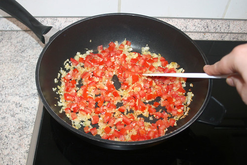 33 - Tomaten anbraten / Fry tomatoes