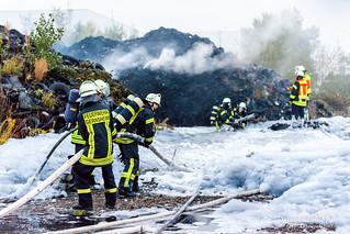 Reifenlagerbrand Gernsheim 08.09.15