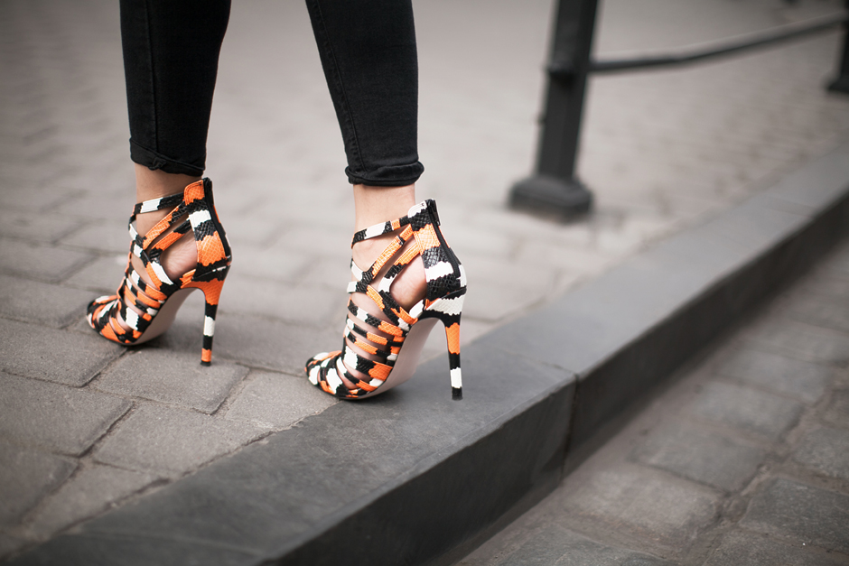 statement-heels-orange-street-style
