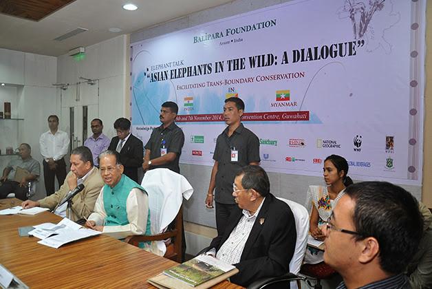 Shri Tarun Gogoi, Hon'ble Chief Minister of Assam addresses the gathering. On the left is Mr Ranjit Barthakur