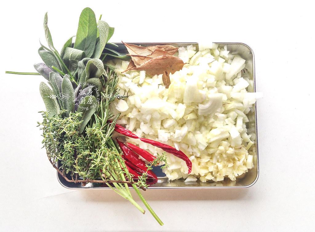 孤身廚房-香草使用不手軟!我的招牌香料燉牛肉6
