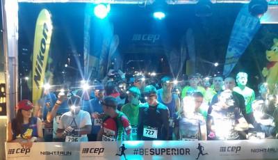 Tisíce běžců rozsvítily Letnou. Pražský Night Run vyhráli Majoroš a Rusínová