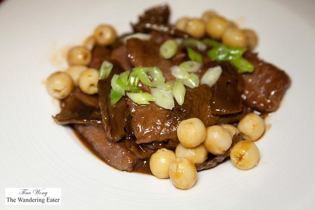 Stewed lamb loin with Matsutake mushroom and lotus seed (松茸蓮子扣羊柳)