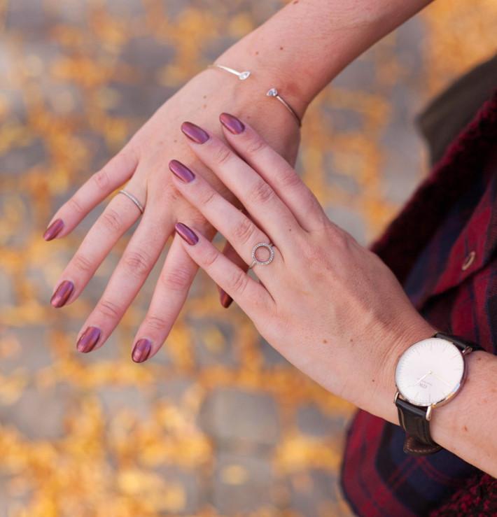 burgundy nail polish with Diamanti Per Tutti rings