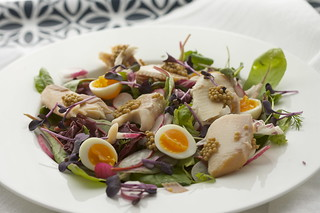 Salad with smoked trout & pickled mustard seeds