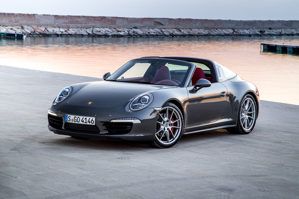 Новое поколение Porsche 911 Targa