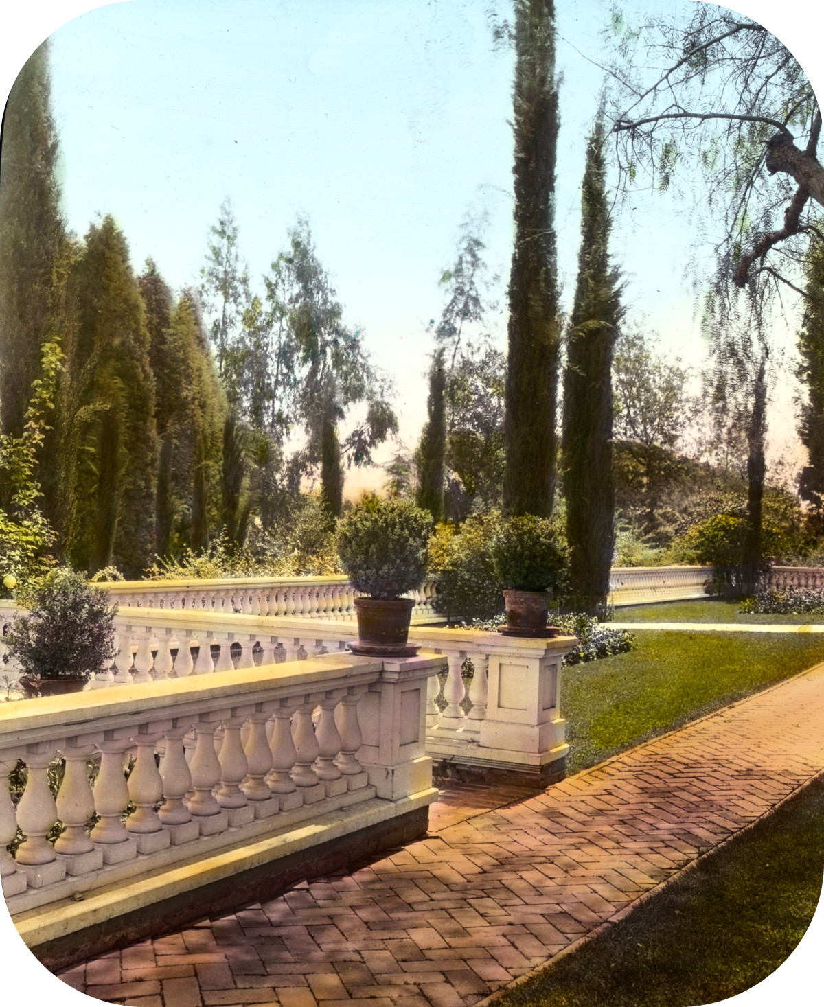 Mrs. Francis Lemoine Loring house, 700 South San Rafael Avenue, San Rafael Heights, Pasadena, California. Terrace balustrade
