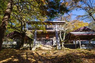 武甲山山頂直下の御嶽神社