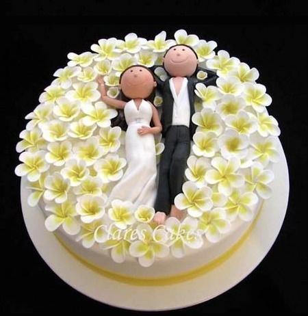 Wedding Cake by Ylva Olsen