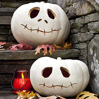 white-pumpkin-skulls
