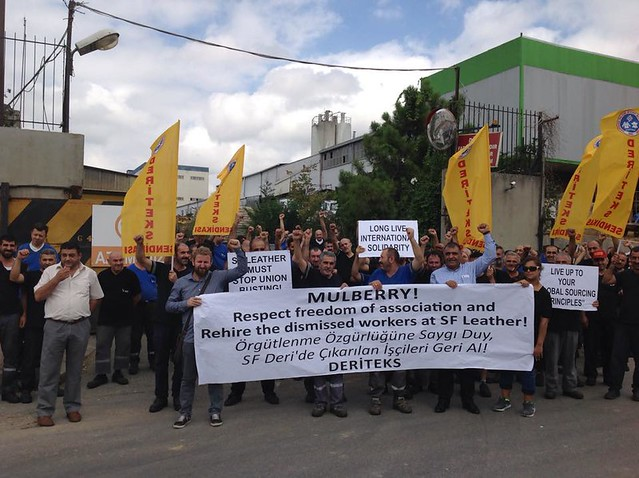 Deriteks members protest Mulberry in solidarity with SF Leather workers in Izmir