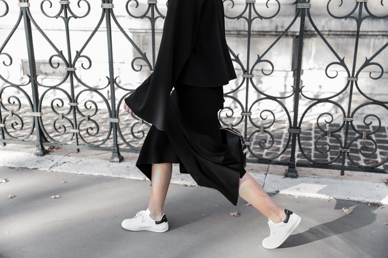 paris fashion week, street style, ss16, black and white, Ellery, Protege Flare sleeve top, Dion Lee slash split skirt, Isabel Marant sneakers, monochrome, modern legacy, fashion blogger (1 of 1)