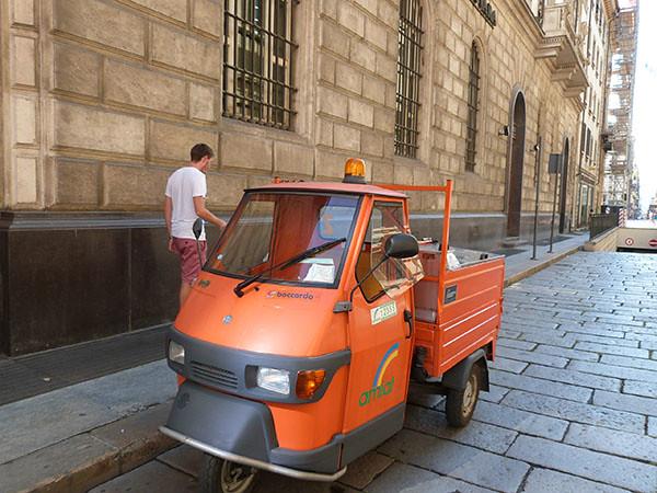 triporteur orange
