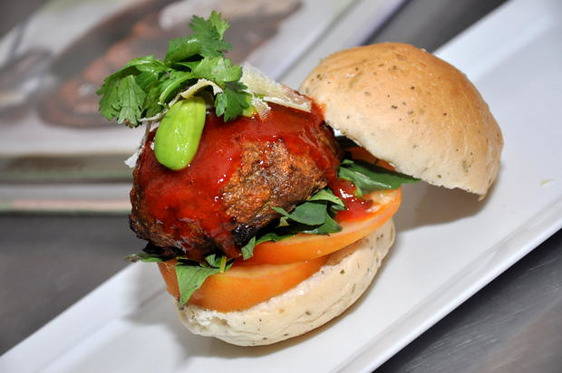 Lingham's Sriracha Chilli Sauce Petai Burger 5