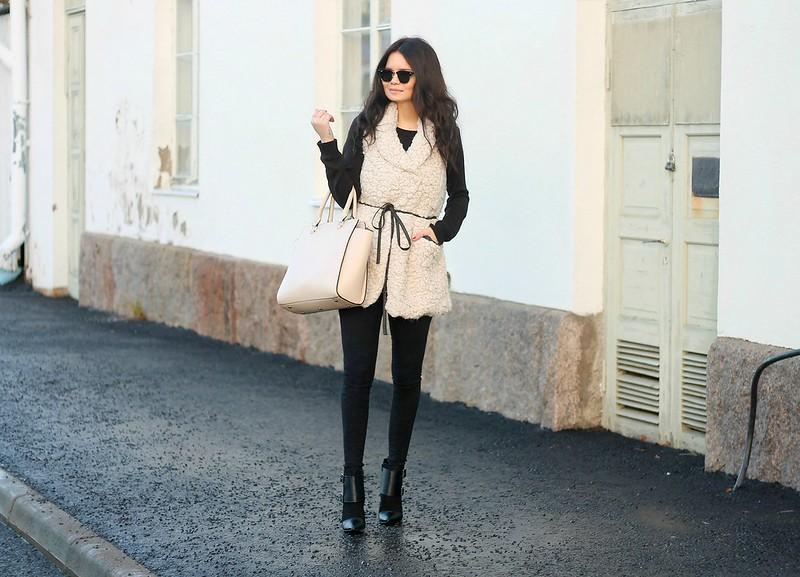 vest outfit blogs