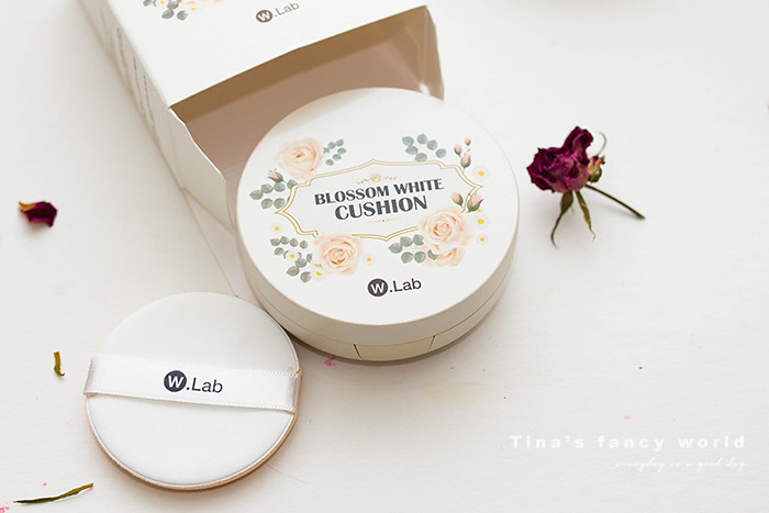 W.Lab 大馬士革玫瑰保濕氣墊粉餅