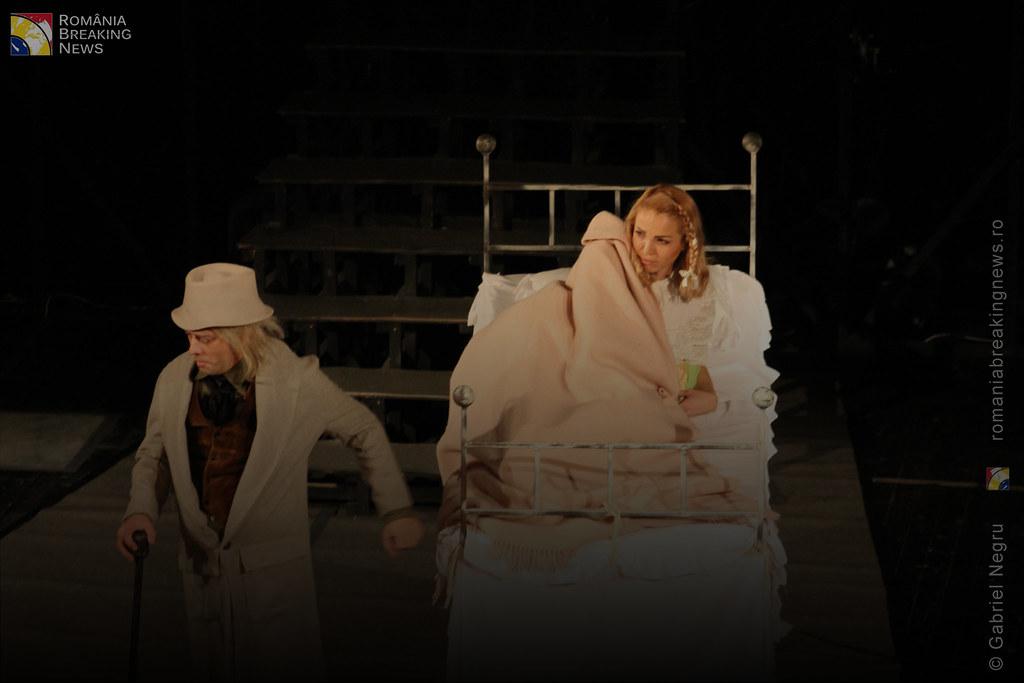 Tetrul_Nottara_si-a_ridicat_oficial_cortina_Trupa_Teatrului_Ginta_Latina_din_Chosinau (21)
