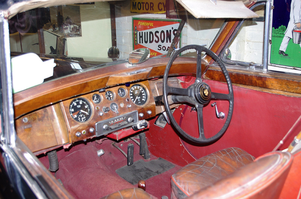 D12587.  1952 3½ litre Jaguar Mk V.