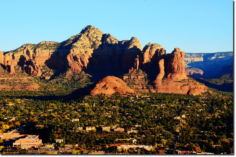 The Thunder Mountain(L) & the Coffeepot Rock(R) from the Airport Mesa upper scenic overlook 2