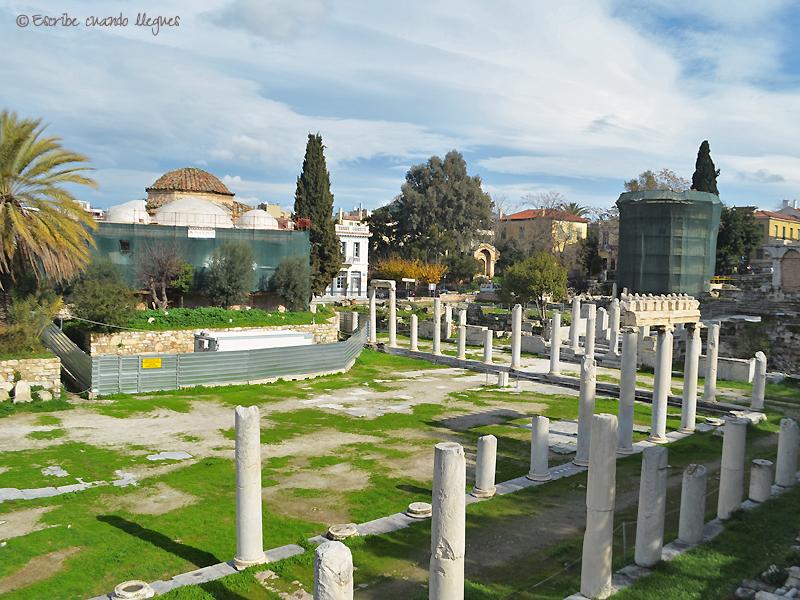 Vista del Ágora romana, con la Torre de los Vientos al fondo