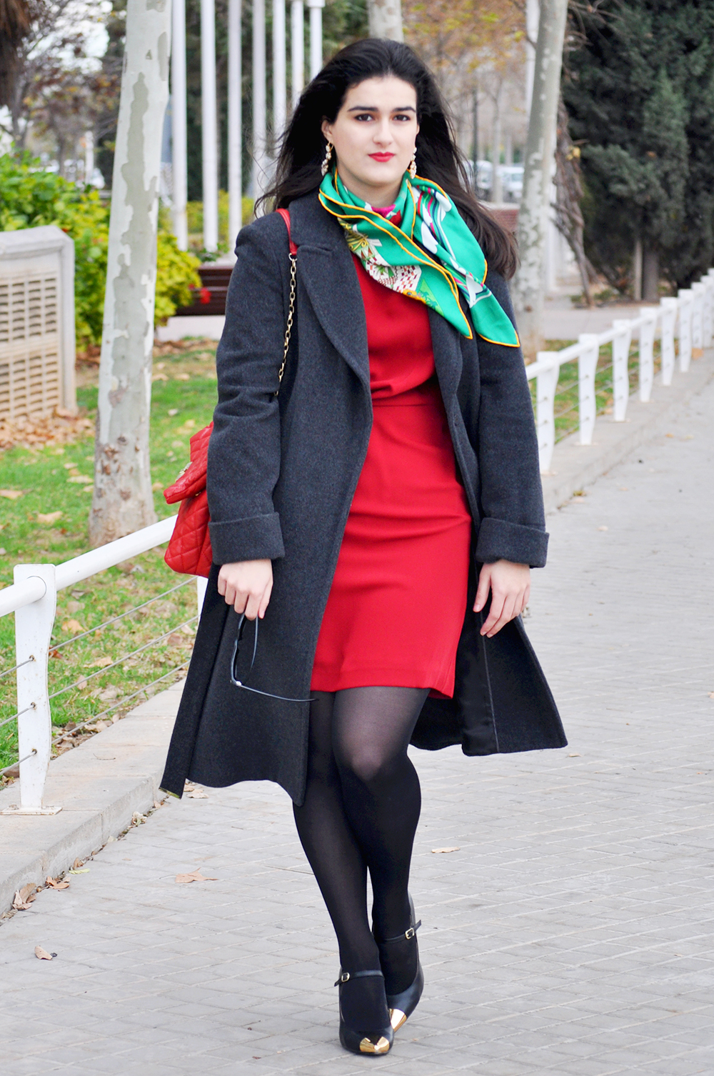 valencia spain spanish fashionista fashionblogger somethingfashion hermes carre scarf christmas holiday outfit ideas streetstyle_0068 copia