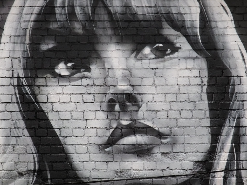 Get it right Gwenno Saunders street art
