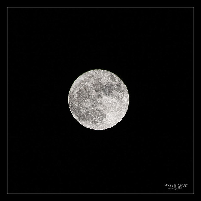 Moon3, Canon EOS 5D, Sigma 50-200mm f/4-5.6 DC OS HSM + 1.4x